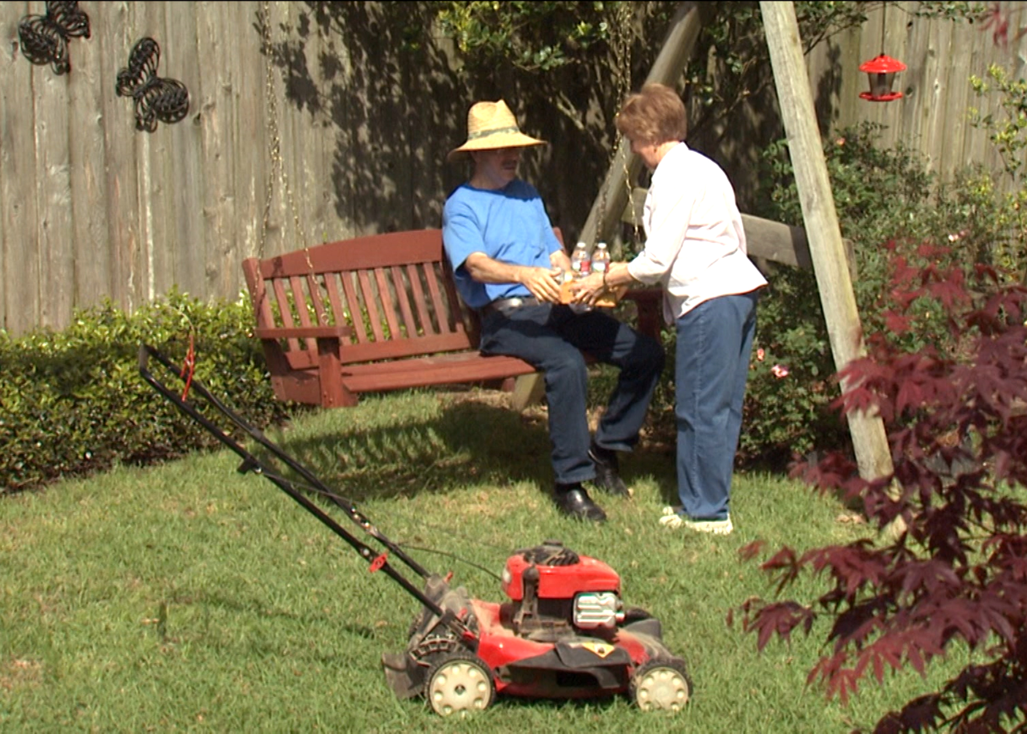 Hot weather tips keep gardeners safe at work | Mississippi State ...