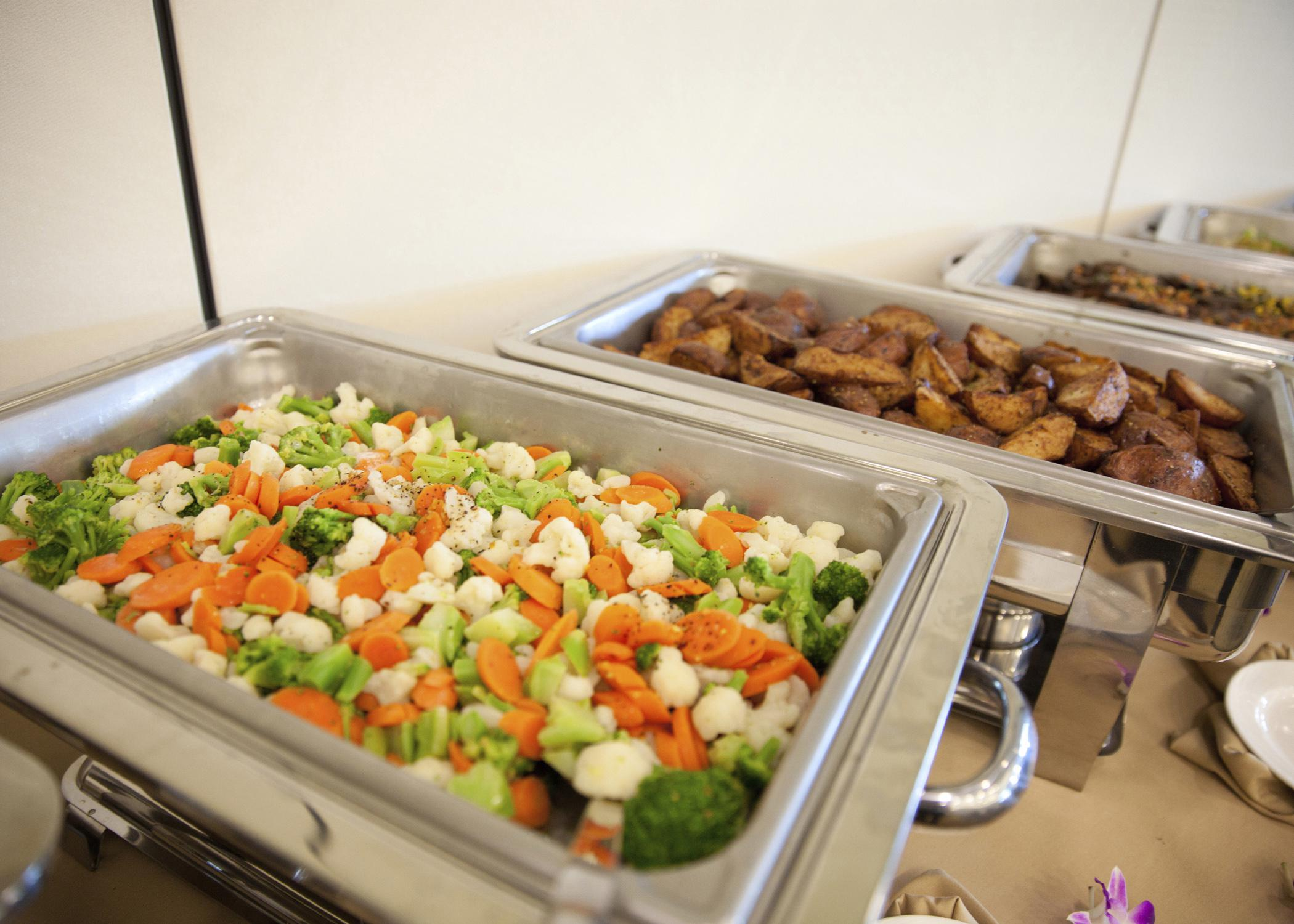 Keeping hot and cold foods at the proper temperatures during a wedding reception is essential for maintaining food safety and quality. (Photo by iStock)