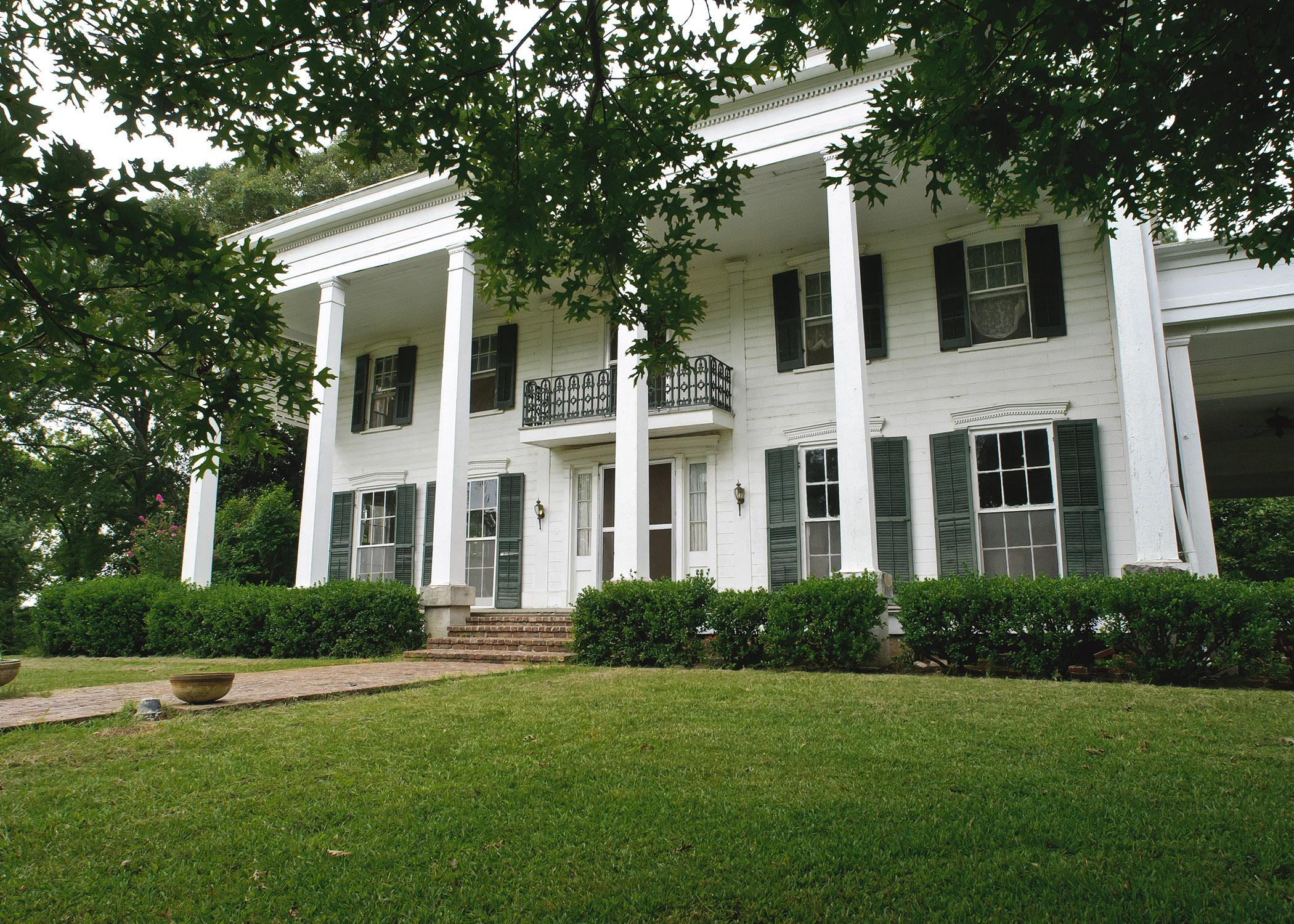 The historic Cotesworth home in Carroll County is a significant part of the Highway 82 heritage corridor from Greenville to Columbus, Mississippi. (File photo by MSU Ag Communications/Kevin Hudson)