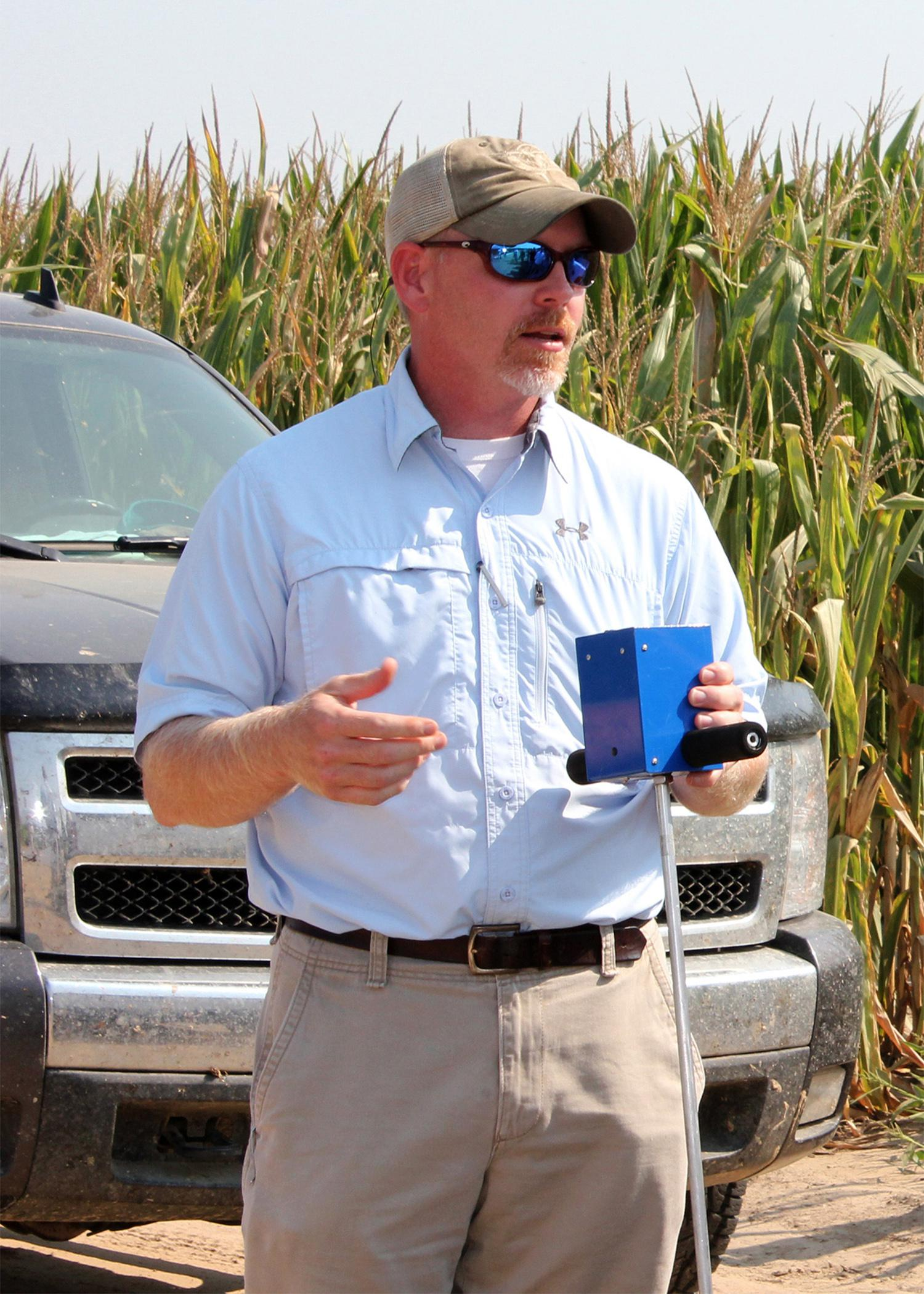 Jason Krutz, an irrigation specialist with Mississippi State University, teaches producers how to use portable soil moisture meters to conserve water while still providing the proper amount of water for plant growth. (File photo by MSU Ag Communications/Bonnie Coblentz)