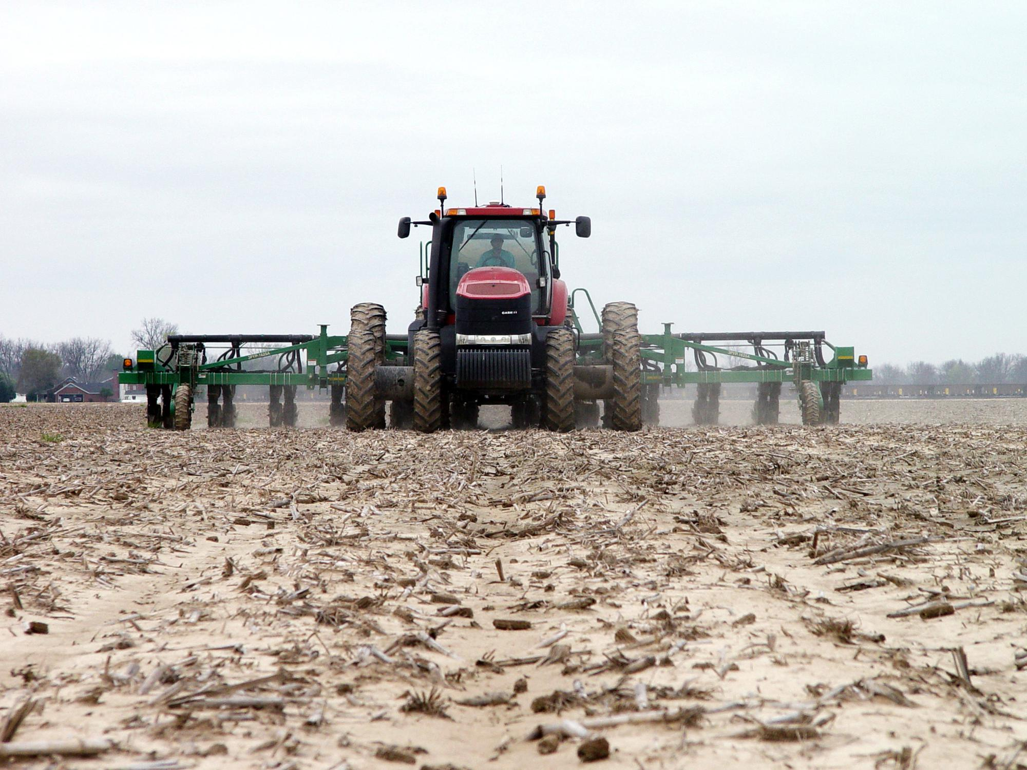 Like jets lining up on a runway, Mississippi growers are ready to take off and resume their planting as soon as the weather allows. Shaifer Bell of Huddleston Planting Co. is at the controls of this tractor as he plants corn near Metcalfe, Mississippi, on March 30, 2016. (Photo by MSU Delta Research and Extension Center Communication Department)