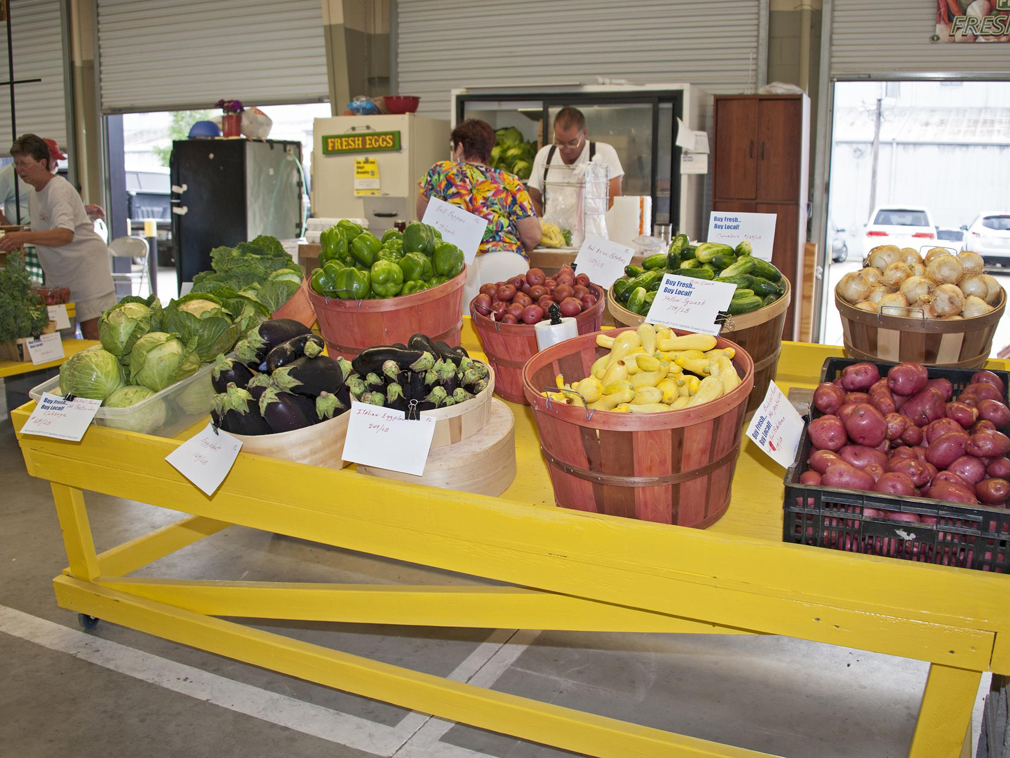 Mississippi is rich with local produce, as seen in this file photo from the Jackson Farmers Market. Supporting local farmers markets adds money to the economy, benefits the environment and contributes to healthy, tasty meals. (MSU Extension Service file photo)