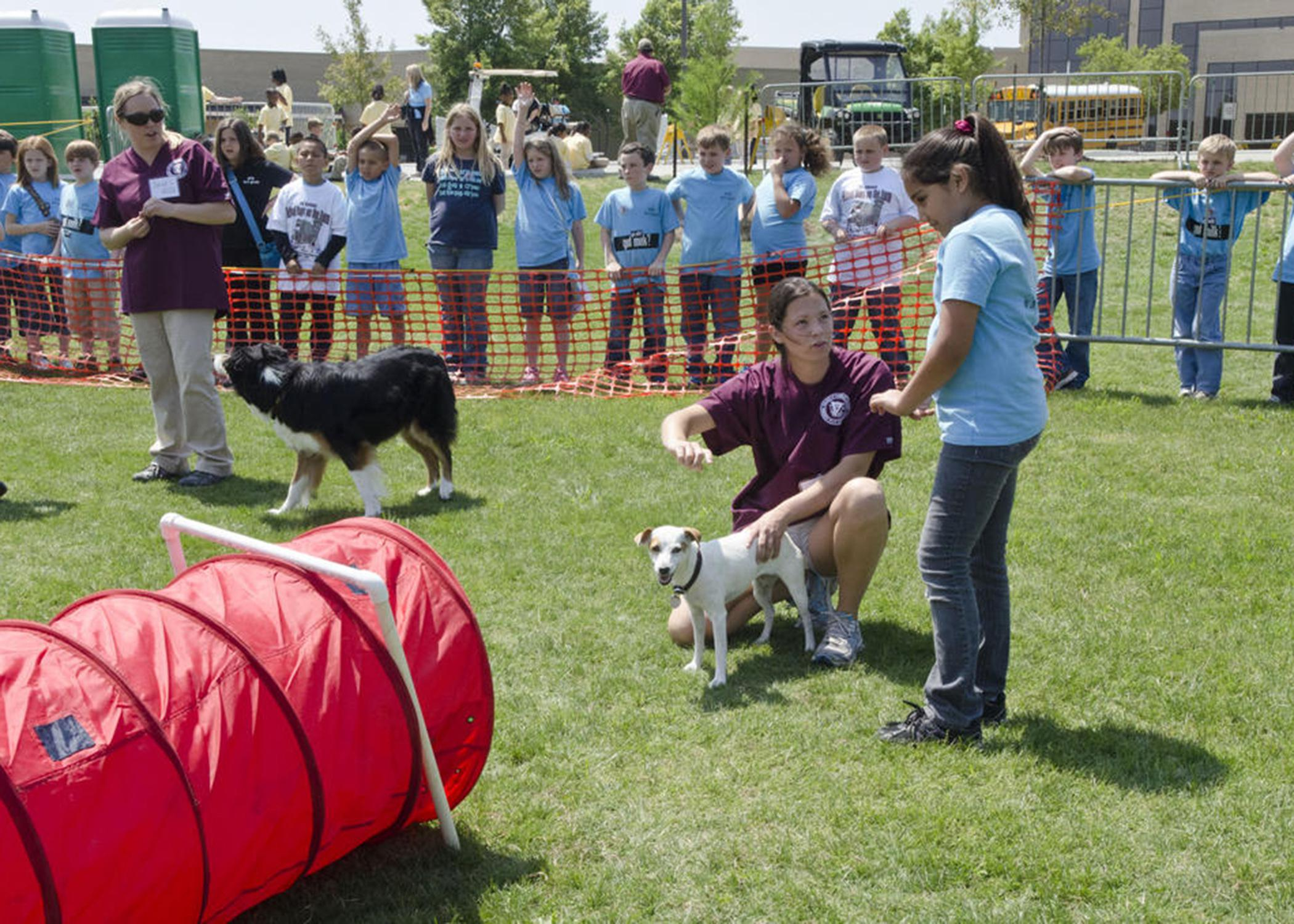 The Mississippi State University College of Veterinary Medicine will host its annual Open House April 5 and 6. Students enjoy the hands-on activities and demonstrations. (Photo by MSU College of Veterinary Medicine/Tom Thompson)