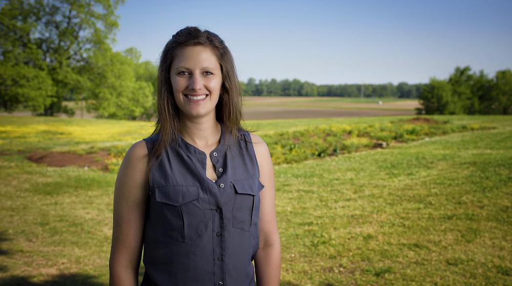 image of Dr. Julie Anna Sims