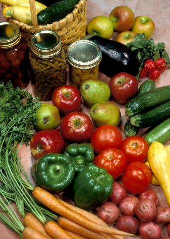 Diabetics or those at risk for the disease must be more careful and health-conscious, and family chefs should keep their loved ones' needs in mind when thinking about what to cook. (Photo by MSU Extension Service/File)
