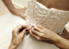Nutrition experts recommend that brides who want to shed pounds plan ahead by setting realistic, measurable goals and staying focused with an accountability system. (Photo by i2i Studios/iStock)