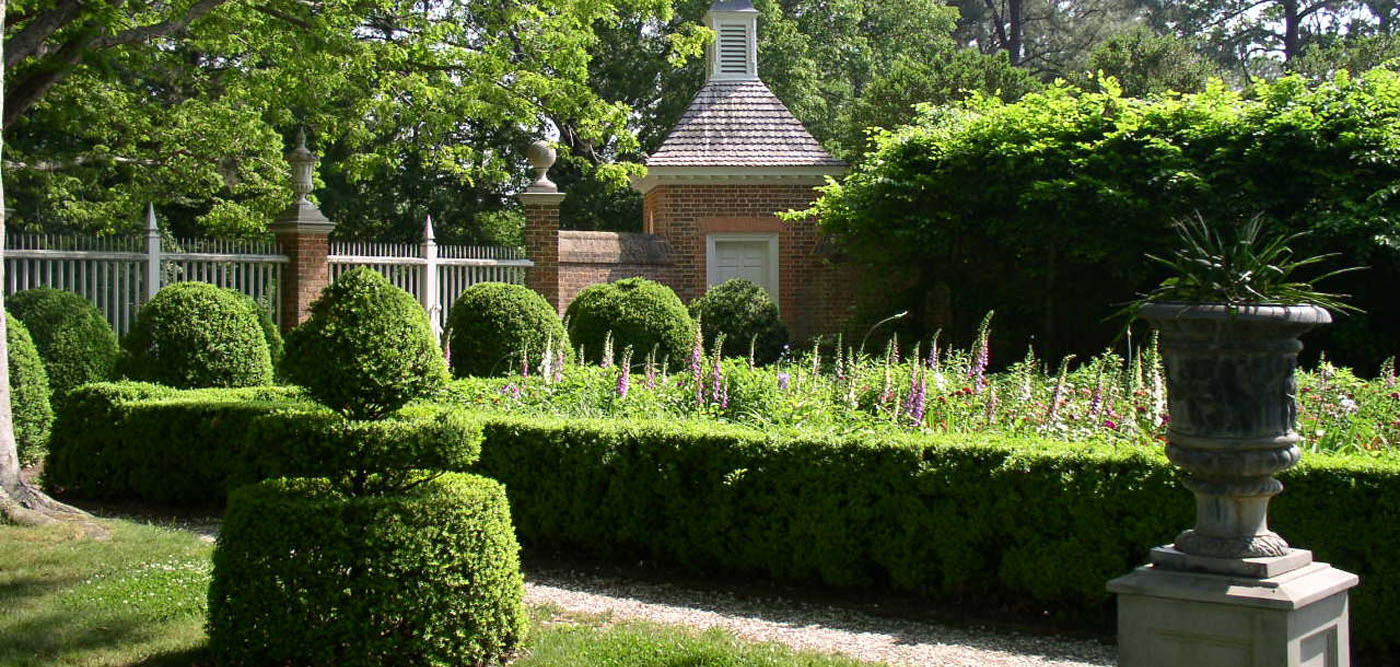 This is an image of a garden at an antebellum home.