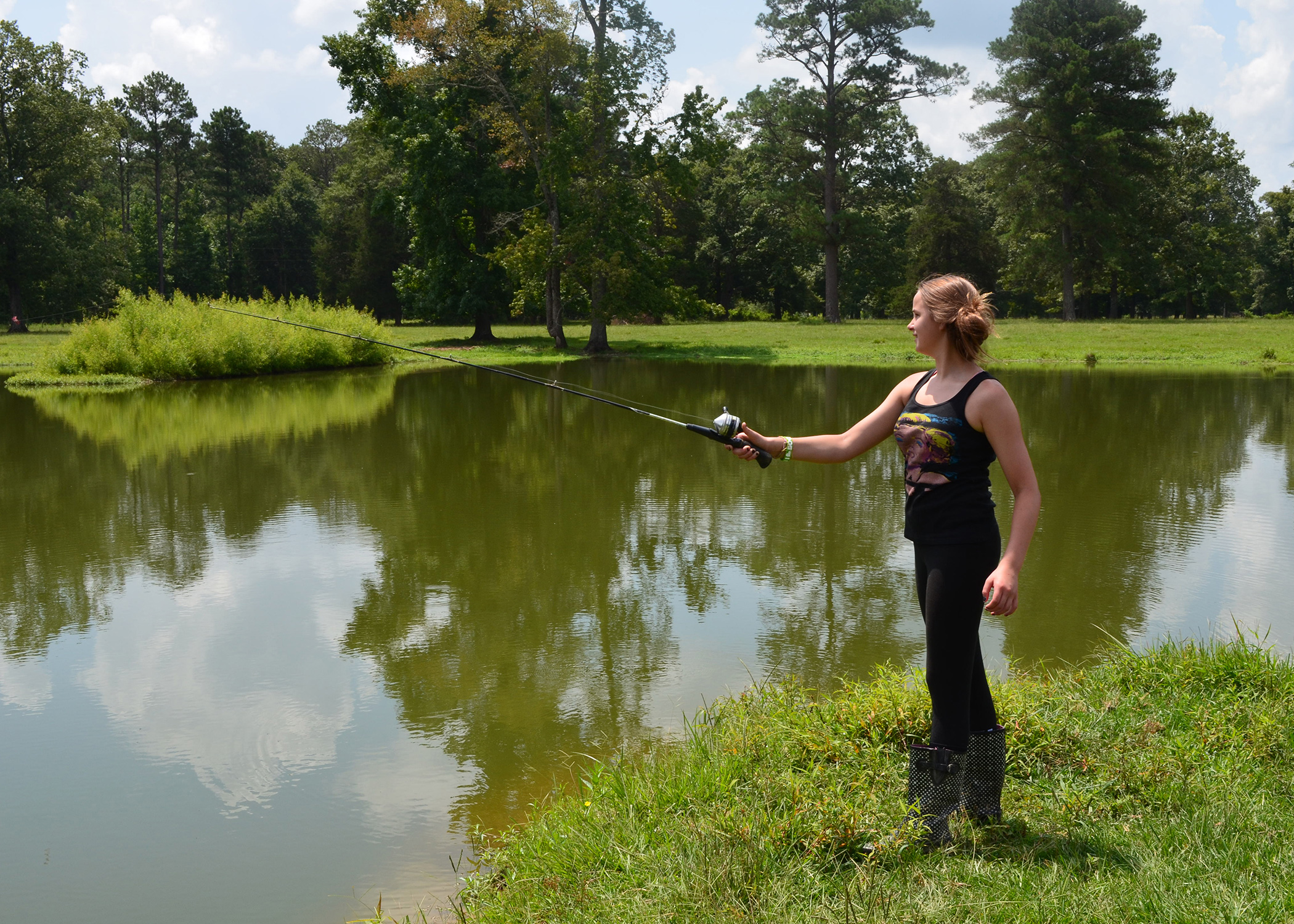 Channel catfish thrive in mississippi ponds mississippi for Sunfish in a backyard pond