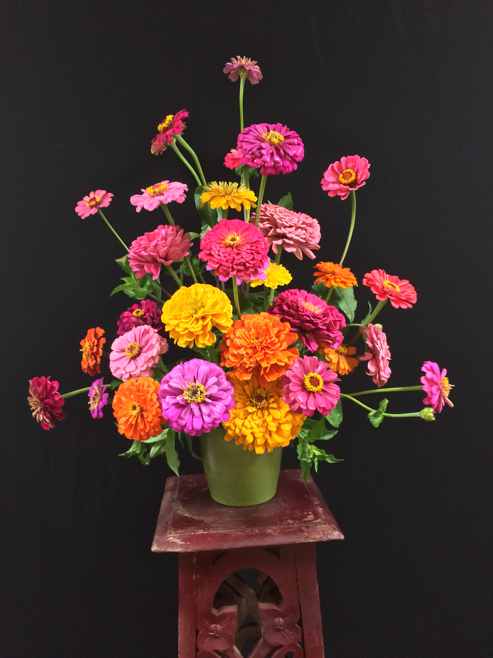 Live Floral Design Show Uses Local Materials Pottery