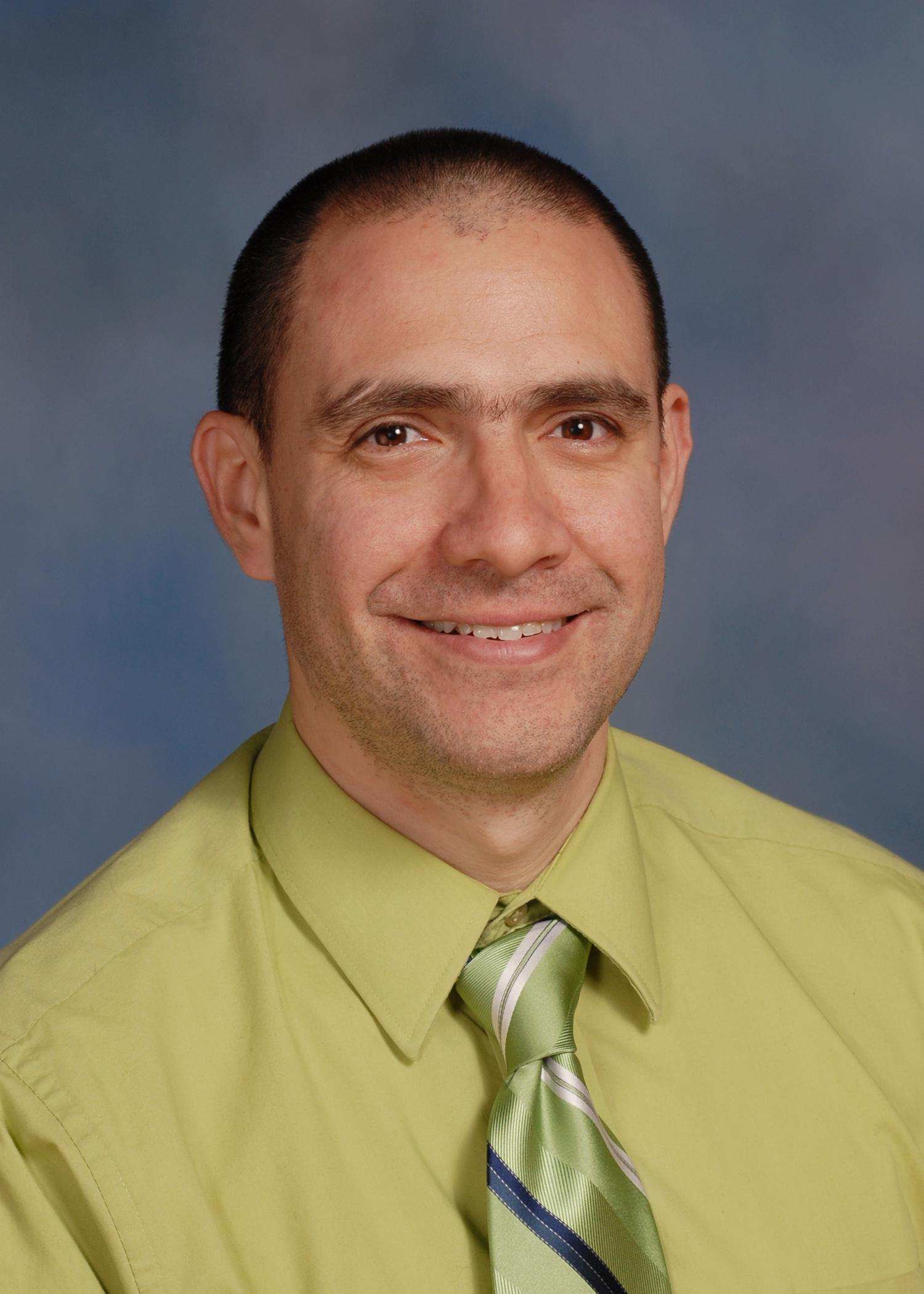 Dr. Roberto Gallardo