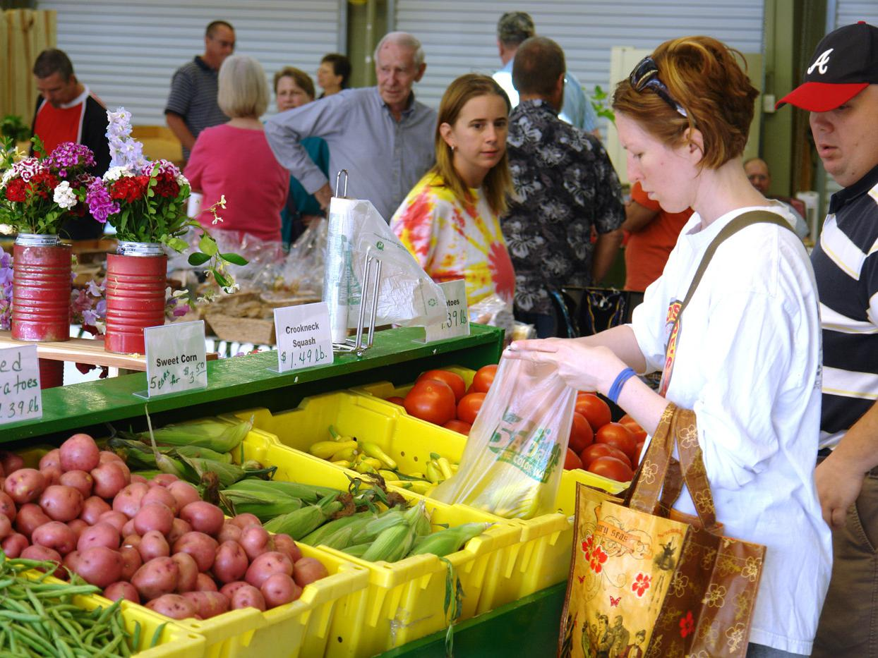 Demand for locally grown fruits and vegetables has helped the state's farmers find more market options, such as the Mississippi Farmers' Market, adjacent to the State Fairgrounds in Jackson. (Photo by Mississippi Department of Agriculture and Commerce)