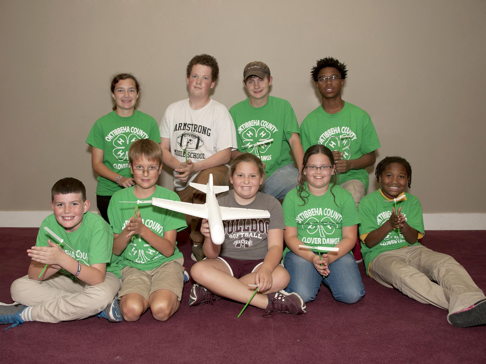 Mississippi 4-H'ers in the Oktibbeha County Clover Dawgs robotics engineering club celebrate 4-H National Youth Science Day. The Oct. 5 event features an engineering challenge for young people. (Photo by MSU Extension Service/Kat Lawrence)