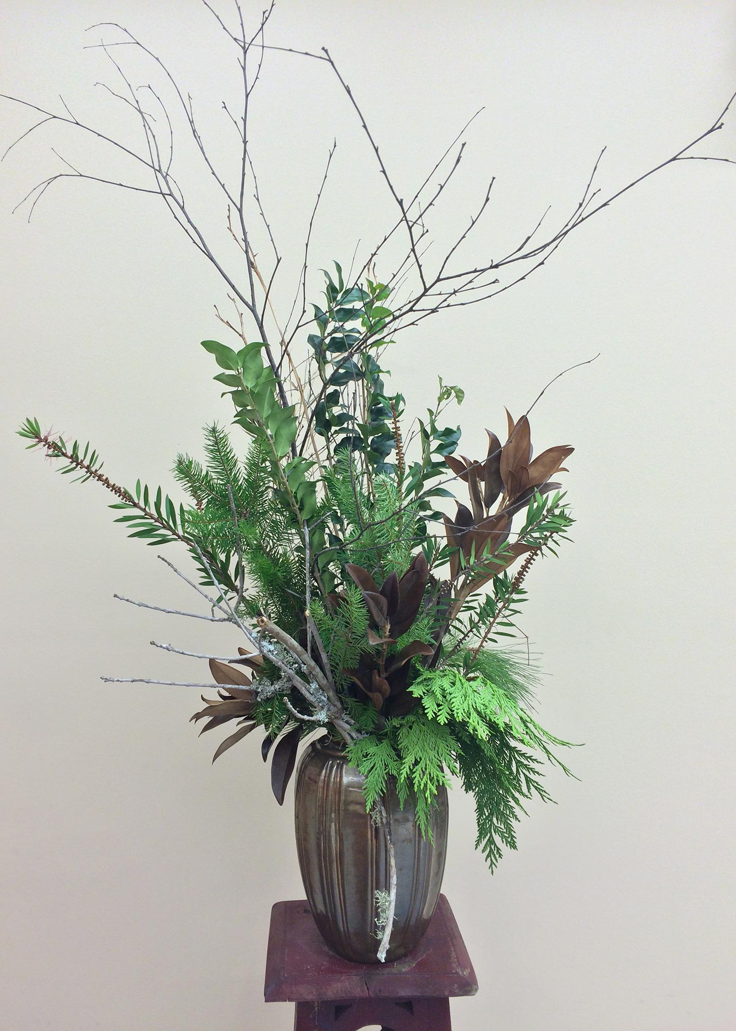 Participants can learn to create floral arrangements such as this design with native Mississippi foliage at one of four demonstrations offered by the Mississippi State University Extension Service statewide Feb. 15-18. (Photo by MSU Extension Service/Jim DelPrince)
