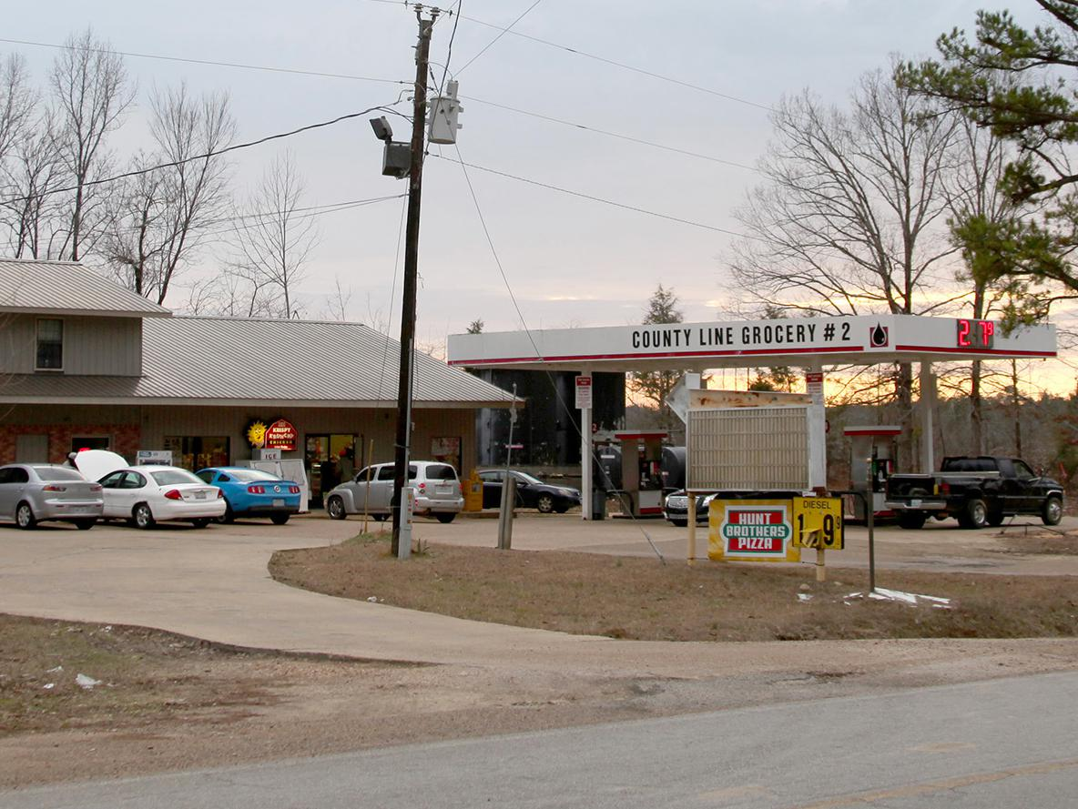 Mississippi has many food deserts, or areas with limited availability of or access to quality, nutritious foods. Stores such as this one seen Jan. 16, 2017, in Clay County, Mississippi, are often the only places to buy groceries in the area. (Photo by MSU Extension Service/Kat Lawrence)