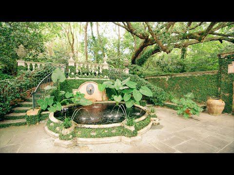 Natchez: Patio Paradise